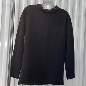 Levelwear black pullover